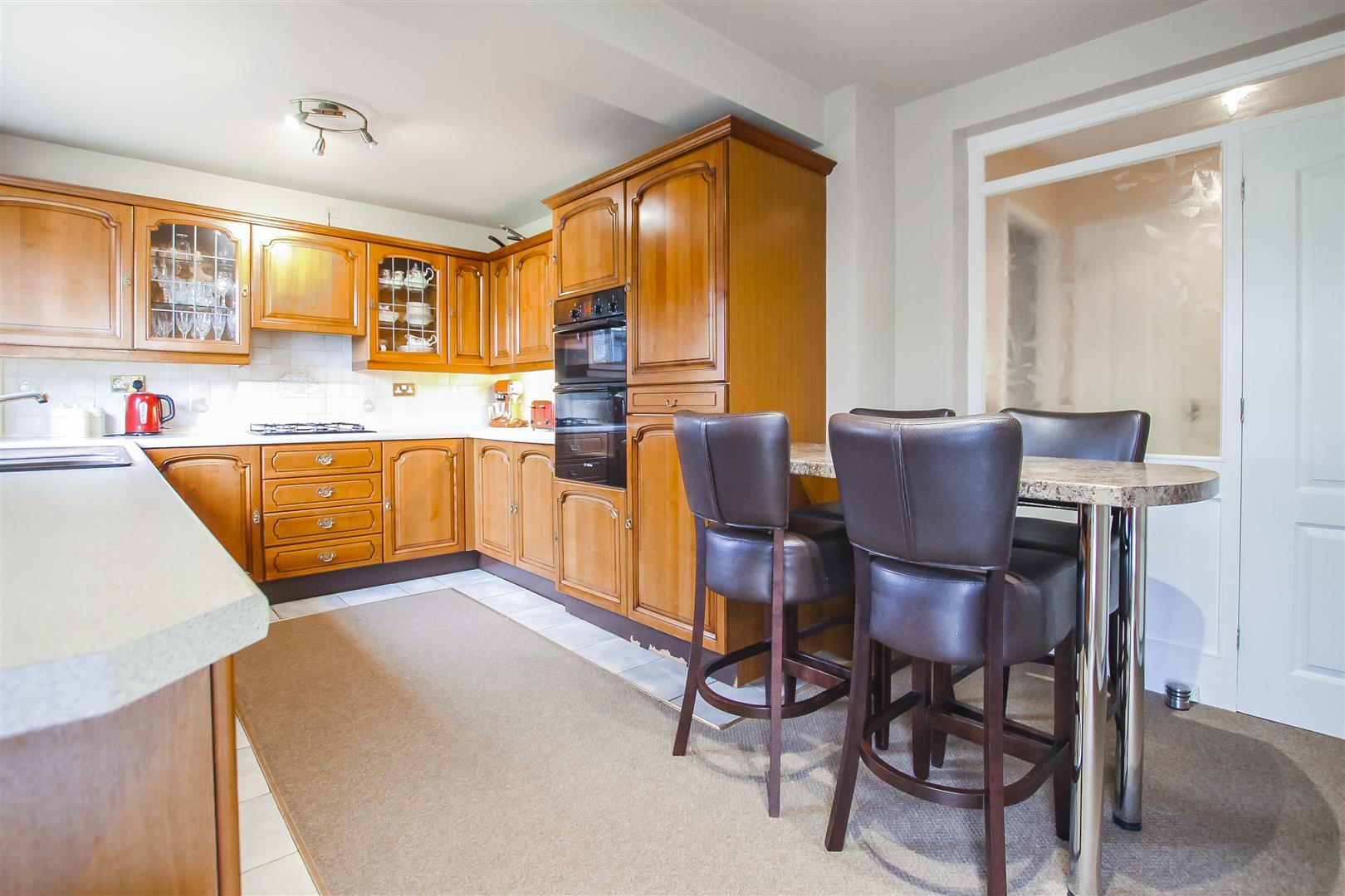 5 Bedroom Detached House For Sale - Kitchen